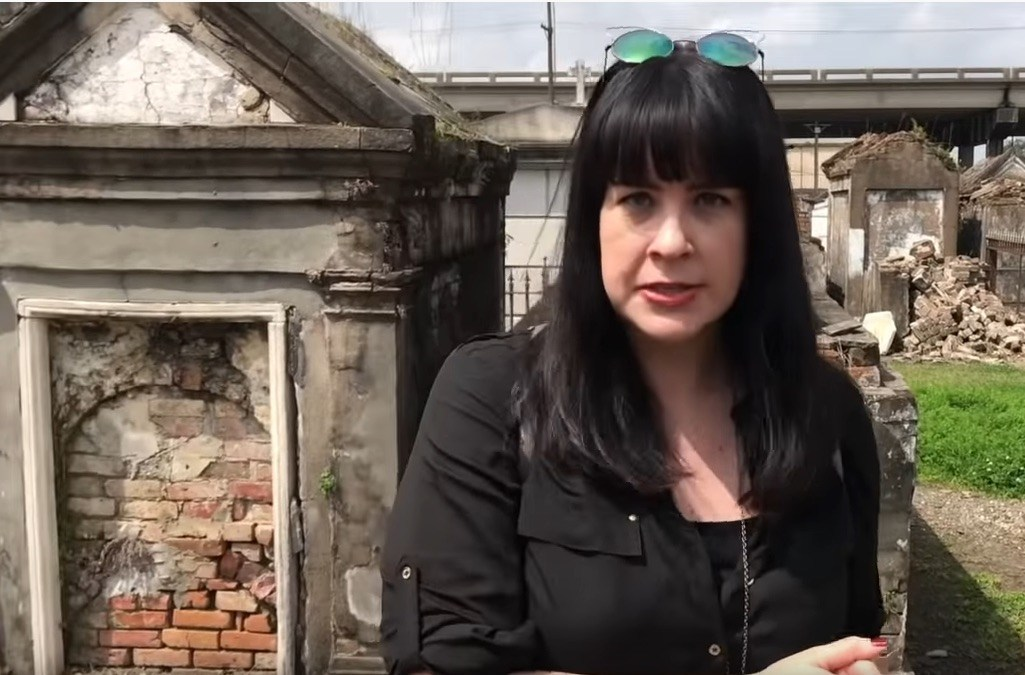 More fun mortuary history with Caitlin Doughty
