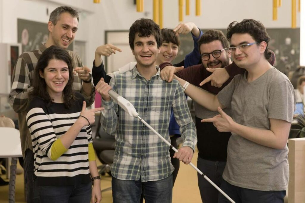 "Blind engineer designs ""smart,"" obstacle-detecting, haptic feedback cane"
