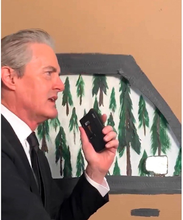 Dale Cooper appears on TikTok going into Twin Peaks at the exact minute he drove into the town 31 years previously