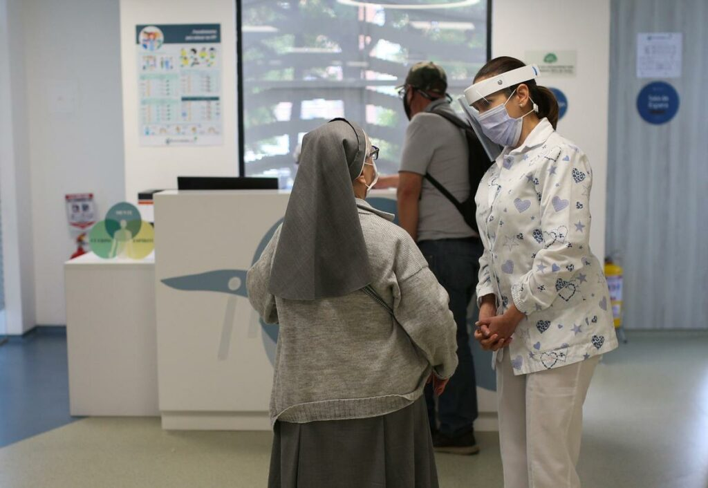Cannabis clinic welcomes patients in Bogota despite pandemic